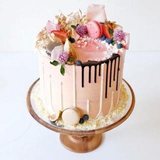 ГТ 9 Торт голый розовый вкусный