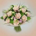 Б 093 Букет из конфет нежно-нежно розовый