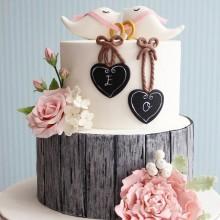Торт свадебный уникальный дизайн с голубьями