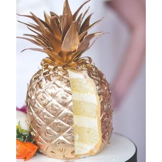 Торт в виде золотого ананаса