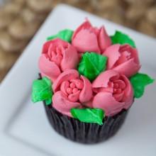 Капкейк розовые цветки