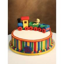 Торт паравозик красочный