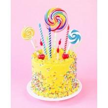 Торт на день рождение желтый с конфетами