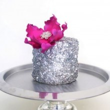 Торт серебрянный с цветкм для девушек