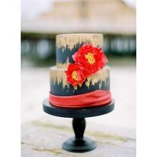 Свадебный торт красный с золотом