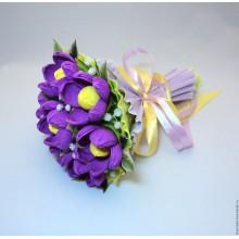 БУ 7 Букет из конфет  фиолетовые цветы