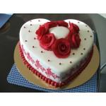 РМ 022 Торт в форме сердца бело-красный
