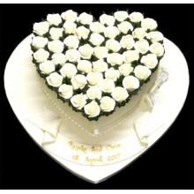 РМ 128 Торт  в форме серца с белыми розами