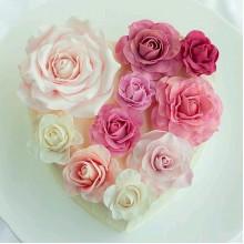 РМ 126 Торт сердце из нежных роз