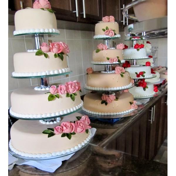 Торт на свадьбу на этажерке