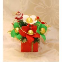 Новогодний букет в красной коробочке