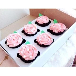Маффины для женщин розовые цветы