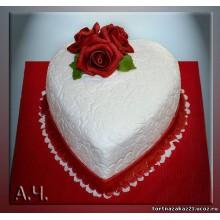 РМ 350 Торт сердце белое и цветок